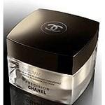 Chanel Precision Sublimage Eye. Essential Regenerating Eye Cream